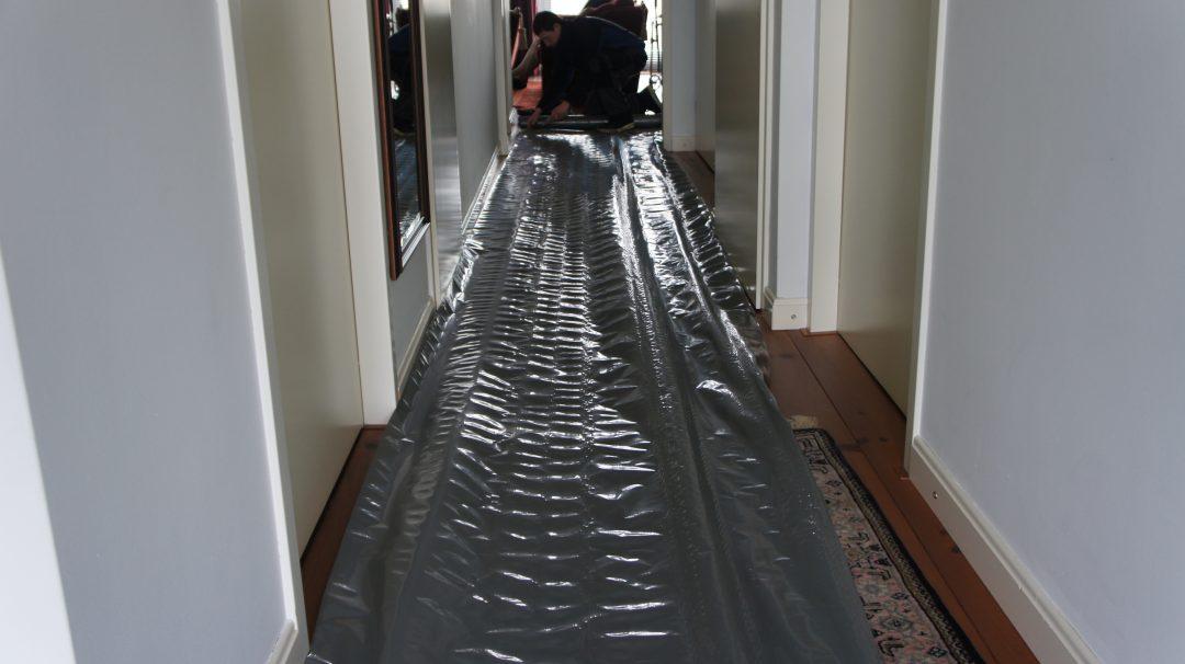 Verstopte gootsteen ontstoppen. Bel Riool.nl gratis op 0800-8881000. Wij werken schoon en netjes zonder overlast.